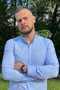 Виталий Сурков